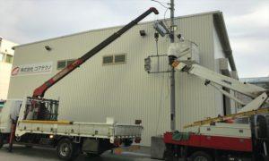 社内研修の様子 社内に設置された練習用の信号機を使った研修です。